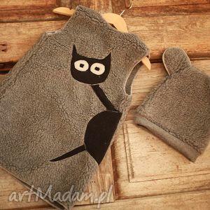 ręcznie zrobione ubranka kocia kamizelka i czapa