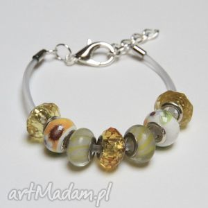 bransoletki żółto-biała bransoletka z transparentnej linki kauczukowej koralikami