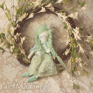 bajka wiosenna - zielona wróżka w pelerynce , lalka, wróżka, pelerynka, buciki