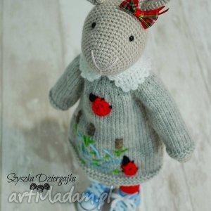maskotki szydełkowy króliczek chloe, króliczek, zając, dziewczynka, prezent, handmade