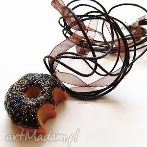 ugryziony donut naszyjnik, donut, ciastko, modelina, masa, fimo biżuteria