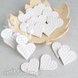 podziękowania dla gości, prezenty, goście, wesele, ślub, serduszka, ceramiczne