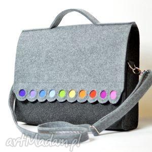 torba na laptopa 15,6 filcowa teczka, z kolorowymi kropkami , filc, kropki
