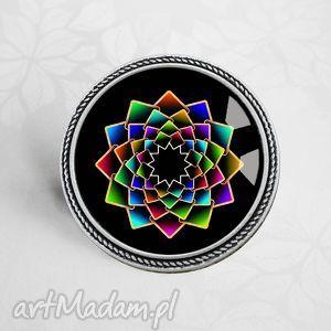 KOLOROWA MANDALA :: piękna broszka, barwna, kolorowe, mandale, okrągla, koło, broszka