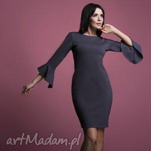 sukienka t161 z falbanką u rękawów, grafitowa, sukienka, wiskoza, elegancka
