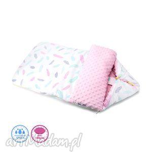 Śpiworek Minky M - Delikatne Piórka na różu - śpiworek