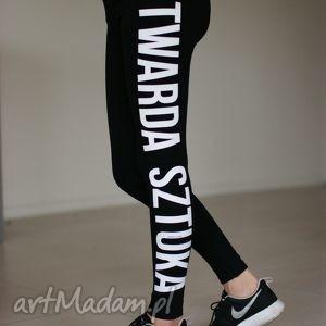 czarne bawełniane legginsy z napisem bieg fitness, redmasterclothes, bawelniane