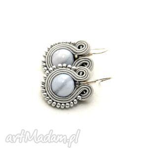 kolczyki sutasz z błękitnymi agatami, soutache, sznurek, srebrne, eleganckie, szare