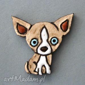 psinusia-broszka ceramiczna - kolekcjoner, przypinka, psy, prezent, upominek, urodziny