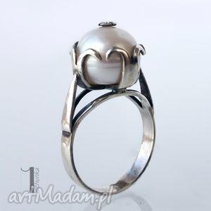 pierścionki perłowy - srebrny pierścionek z perłą słodkowodną, srebro, 925, perła