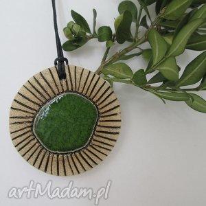 wisiorek z zielonym oczkiem, ceramiczny, wisior, zielony, indyjski, etniczny