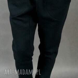 baggy lilyo czarne, baggy, ciepłe, streetwear, obniżonykrok, dresowe ubrania, pod