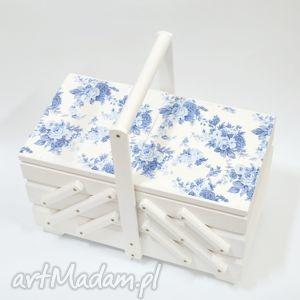 pudełka niciarka róże niebieskie, niciarka, dlamamy, dlakobiety, prezent