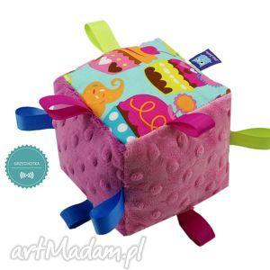 Kostka sensoryczna grzechotka, wzór MUFFINY, kostka, sensoryczna, muffiny, muffinki