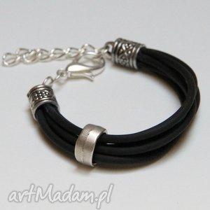 czarna bransoletka z linki kauczukowej elementami metalowymi, prezent, upominek