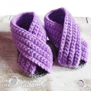 ręczne wykonanie buciki szydełkowe sandałki fioletowe