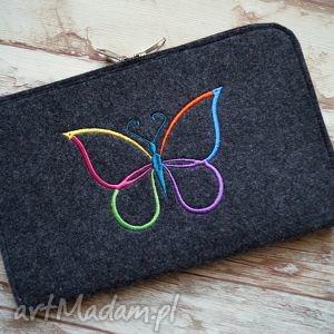 kopertówka z haftowanym motylkiem, etui, kopertówka, kosmetyczka, filcowe, haft