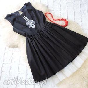sukienki czarna rozkloszowana sukienka z tiulem haft parzenica s 36