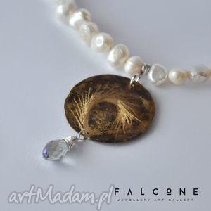 wyjątkowe prezenty, kłos i kryształ, naszyjnik, wisior, perły, grawer, kropla