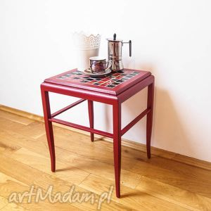 mały stolik kawowy bordowy z ceramiką, stolik, kawowy, ceramika dom