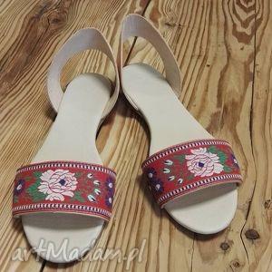 unikalny prezent, buty sandały rozalia, róze, folk, ludowe, folklor, jucht