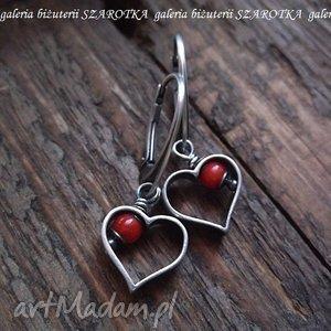 serdeczne romantyczne kolczyki z czerwonego korala i srebra, serce, serduszka, koral