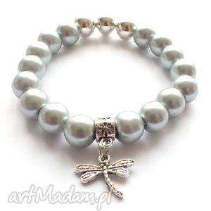 bransoleta grey pearls dragonfly, ważka, zawieszka, perly, charms bransoletki