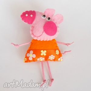 Świnka - broszka z filcu - filc, broszka, dziecko, świnka, sukienka, prezent