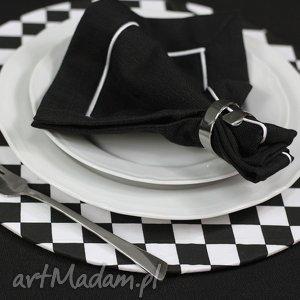 podkładki zestaw podkładka drewniana z tekstylnym pokrowcem w biało czarną