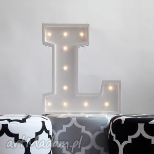 podświetlana litera l, literka, led, lampka, dziecko, symbol, wieczór dom, pod