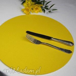 podkładki zestaw podkładka drewniana z tekstylnym pokrowcem w kolorze żółtym