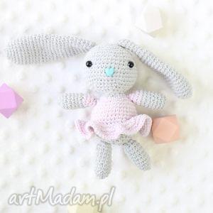 Króliczek Zosia, królik, zabawka, szydełkowa, maskotka, przytulanka