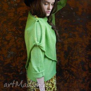 zielony sweter z szalem, sweter, szal, wełna ubrania