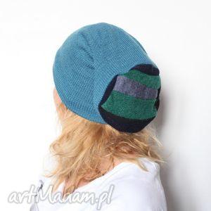 czapki czapka damska dzięki zaślubinom z klaczy stała się koniną t1, wełniana