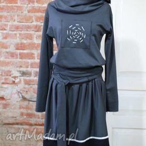 Laura-sukienka, wygodna, grafitowa, sukienak, taliowana, rozkloszowana, codzienna