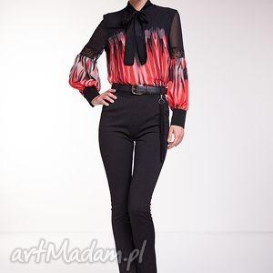 Bluzka Eduarda, moda