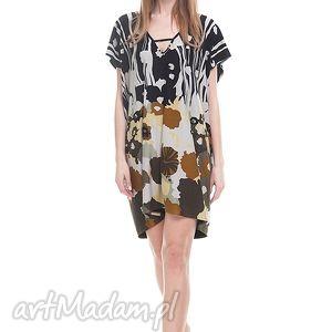 Sukienka Nadira, moda