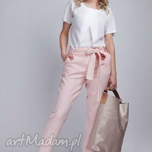 Spodnie, SD109 róż, spodnie, kokarda, pasek, różowe, kieszenie
