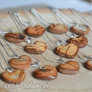 Wisiorek w kształcie serca z kory brzozy - prosto drzewa, serce, serduszko, brzoza