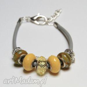 żółto-karmelowa bransoletka z linki kauczukowej koralikami ze szkła murano, prezent