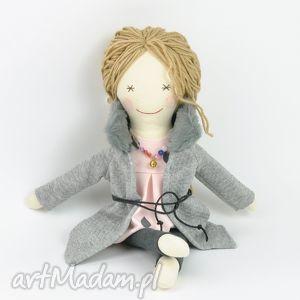 lalki lisa w szarym płaszczyku, lalka, szmaciane, nowoczesne, prezent dla dziecka