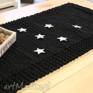 bieżnik dziergany simple black, dywan, serweta, pleciony, sznurek, stół, obrus