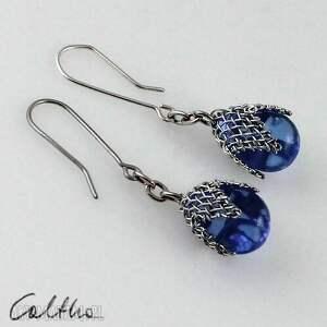 caltha błękitne w siateczce - kolczyki, klipsy, szklane, krople, wiszące biżuteria