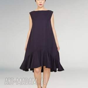 wełniana elegancka sukienka z falbaną, falbana, wełniana,