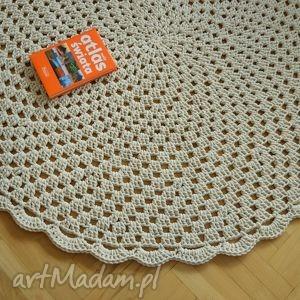 oryginalny prezent, petelkowo ażurowe koło, dywan, chodnik, okrągły, ażurowy, sznurek