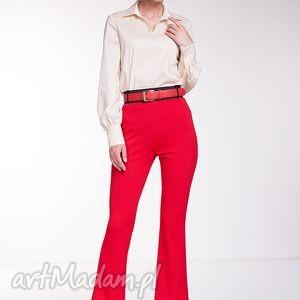 Bluzka Yasmin, moda