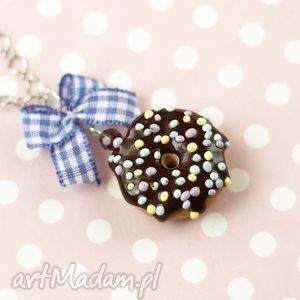 naszyjnik pączek donut czekoladowy, naszyjnik, modelina, donut, pączek, słodkości