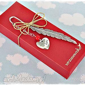 prezent dla mamy - zakładka od serca, zakładka, prezent, mamy, dzień, matki, serce