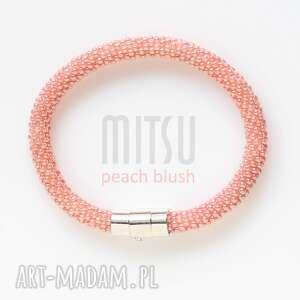 Peach Blush, peach, róż, brzoskwiniowe, pastelowe, koralikowe, lato
