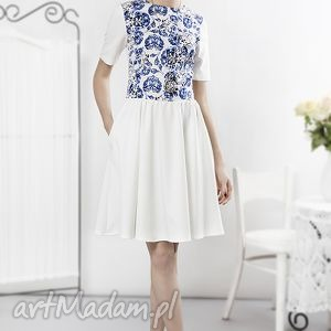 Porcelanowa sukienka ecru, sukienka, porcalanowa, wzory, kwiaty, niebieska